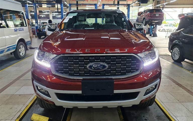 Xe Ford Everest 2021- Xe giao ngay - Nhiều màu - Báo giá và khuyến mại tháng 12/2020.