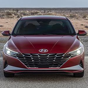 Hyundai Elantra 2021- Giá từ 455 triệu đồng kèm khuyến mịa hấp dẫn.