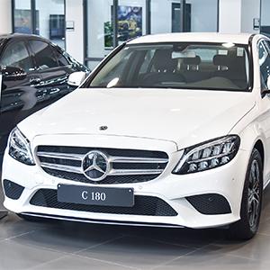 Mercedes 180 2020 - giá xe - khuyến mại tới 300 triệu tháng 10/2020.