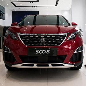 Peugeot 5008 2021 sở hữu thiết kế ấn tượng với giá bán hấp dẫn.