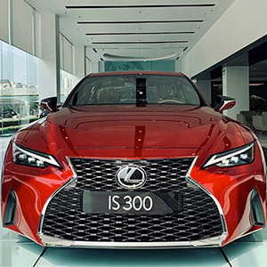 Xe Lexus IS 2021 giá từ 2,13 tỷ với nhiều nâng cấp đáng giá.
