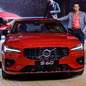 Volvo S60 2021 R-Design đẹp cỡ nào với giá 1,7 tỷ chưa kèm giảm giá và khuyến mại.