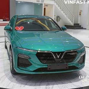 VinFast LUX A 2.0 màu mới cực ngầu - Giảm giá cực Sốc